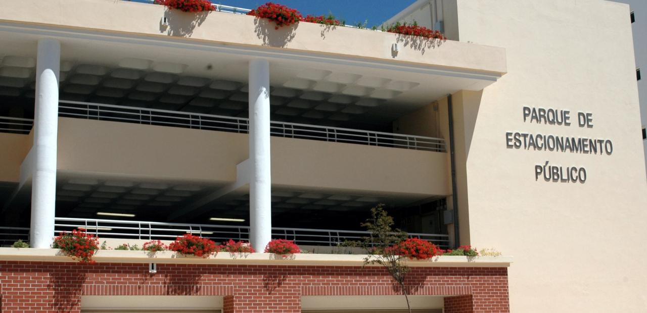 parque estacionamento municipal Armação de Pera