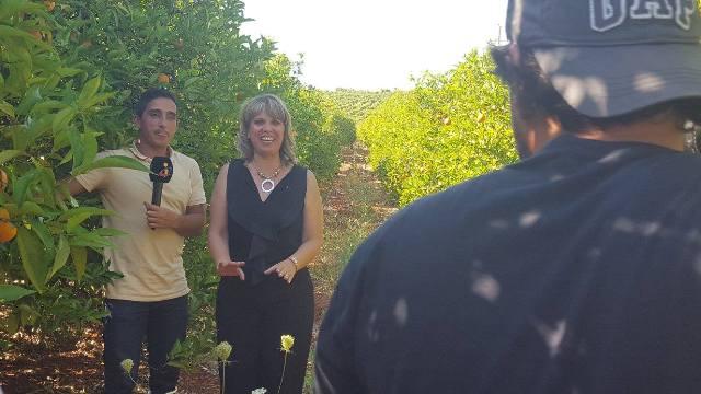 "A presidente Rosa Palma apresentando a marca ""Silves, Capital da Laranja"""